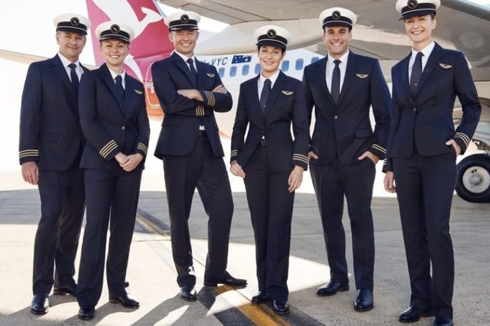 Interesting facts about Qantas Airline pilots new uniform.. !