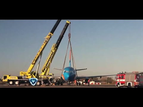 Crazy Airplane Crash Prank ..!