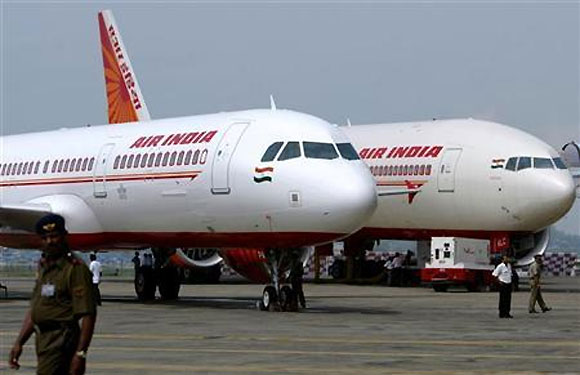 Air India flight makes emergency landing after engineers 'forget' a crucial step.