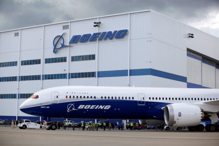 Boeing Sets Airplane Delivery Record, Finishes 2017 with Larger Order Book