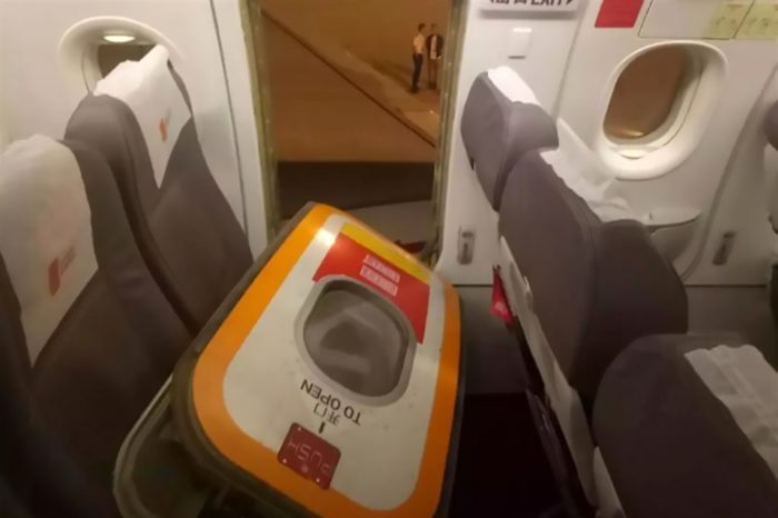 Man Opens Plane's Emergency Door to Get Fresh Air in South-Western China, Detained